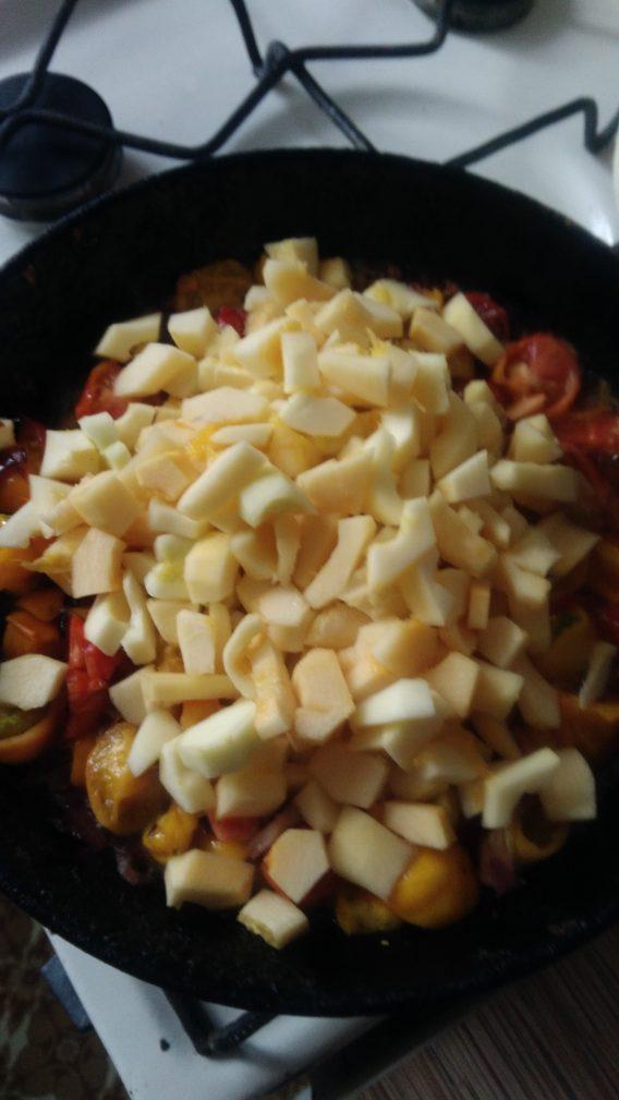 Фото рецепта - Теплый овощной салат «Осенний привет» - шаг 3