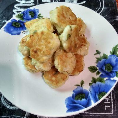 Фото рецепта - Легкие котлетки из куриного филе с рисом - шаг 5
