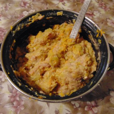 Фото рецепта - Котлеты из индейки с овощами - шаг 6