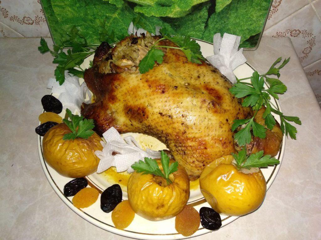 Фото рецепта - Фаршированная утка в духовке - шаг 8