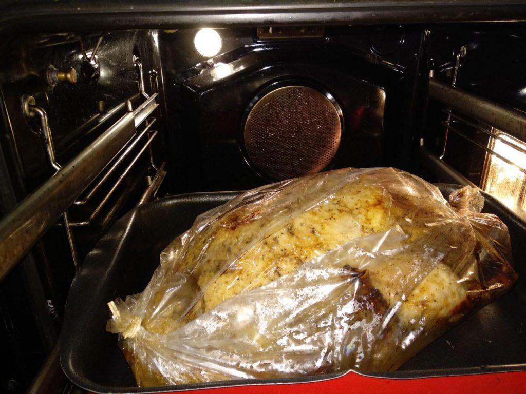 Фото рецепта - Фаршированная утка в духовке - шаг 7