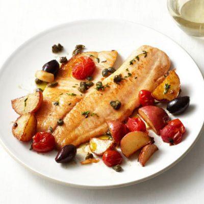 Тилапия в кисло-сладком соусе с яблоком и черри - рецепт с фото