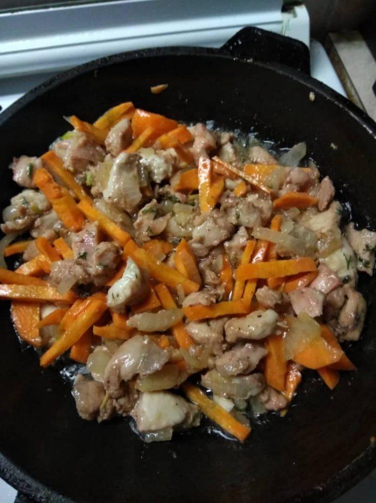 Фото рецепта - Курица с картошкой по-деревенски - шаг 3