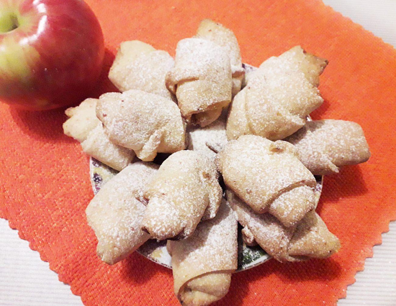 Творожно-яблочные мини-рогалики