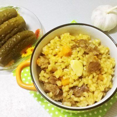 Плов из перловки и говядины - рецепт с фото