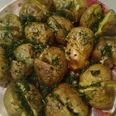 Фото рецепта - Печеный картофель на гарнир - шаг 5