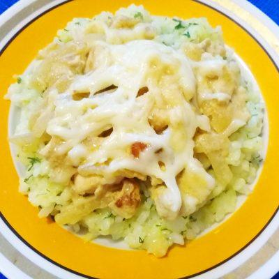 Куриная грудка в горчично-соевом маринаде под сыром - рецепт с фото