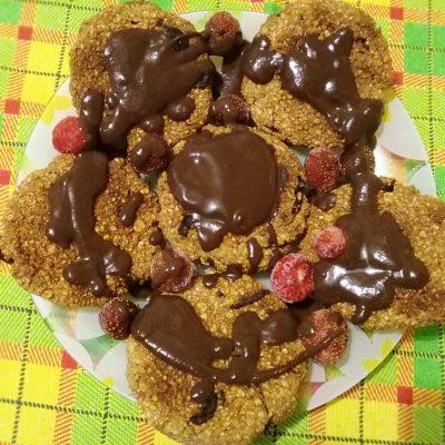 Овсяное печенье с бананом и шоколадом - рецепт с фото