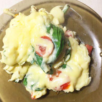 Омлет со шпинатом и черри - рецепт с фото
