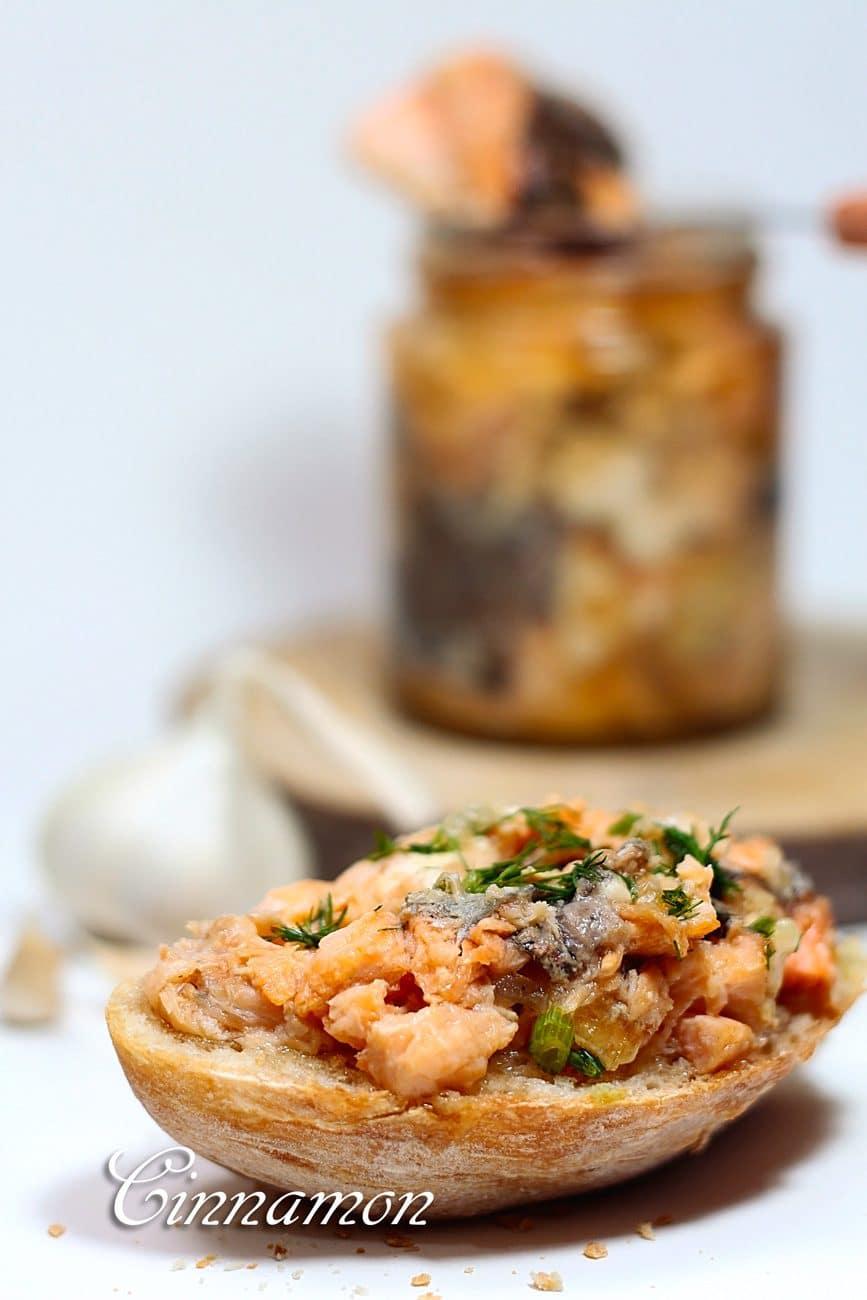 Рыбная консерва в мультиварке-скороварке (из форели)