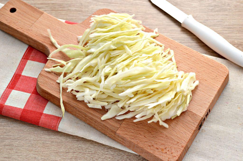 Фото рецепта - Капуста белокочанная, тушенная с картофелем - шаг 1