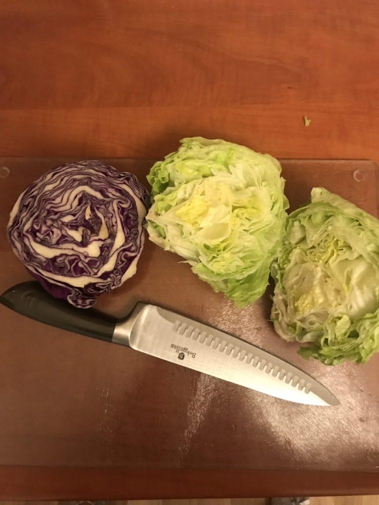 Фото рецепта - Капустный салат для детокса - шаг 1