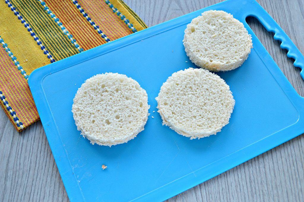 Фото рецепта - Аппетитные бутерброды с рыбой и лимоном - шаг 1