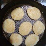 Фото рецепта - Картофельные драники с чесноком - шаг 4
