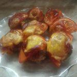 Тефтели в духовке под сыром и помидором