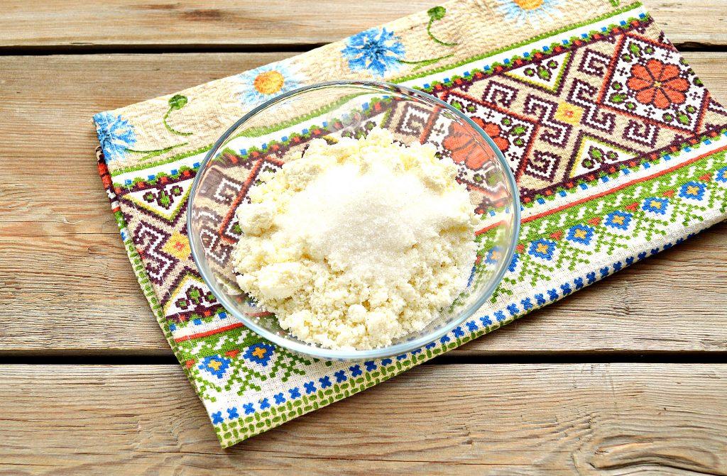 Фото рецепта - Домашние жареные  блинчики с творогом - шаг 2
