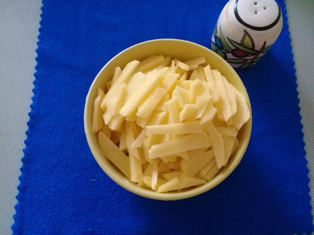 Фото рецепта - Рисовый суп с фрикадельками - шаг 3