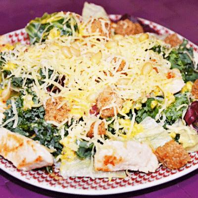 Салат с куриной грудкой «Цезарь» по-новому - рецепт с фото