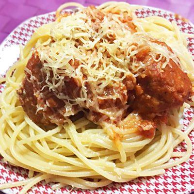 Тефтели в томатном соусе со спагетти «Как в кино» - рецепт с фото
