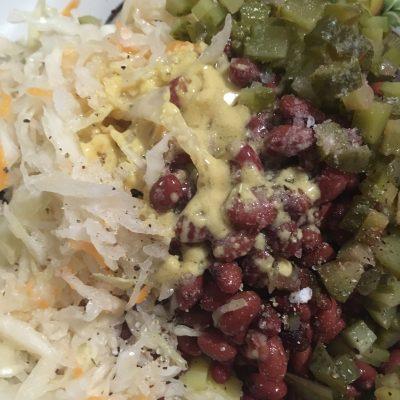 Фото рецепта - Винегрет с фасолью и квашеной капустой - шаг 9