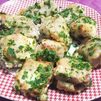 Жареный хек в соусе «Песто» - рецепт с фото