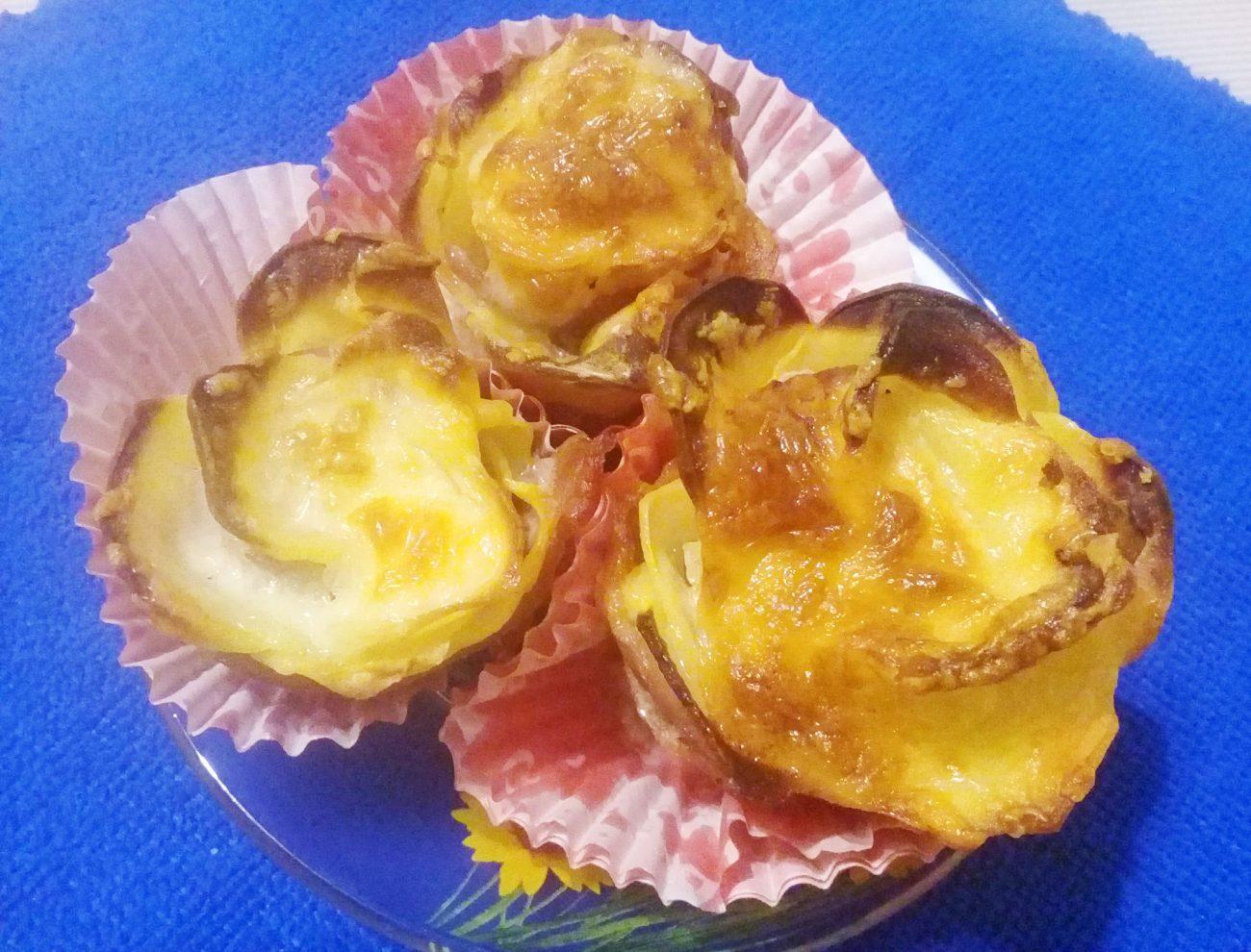 Картофельные розочки с беконом и адыгейским сыром