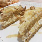 Торт из овсяноблинов с тыквой, бананом, творогом и орехами