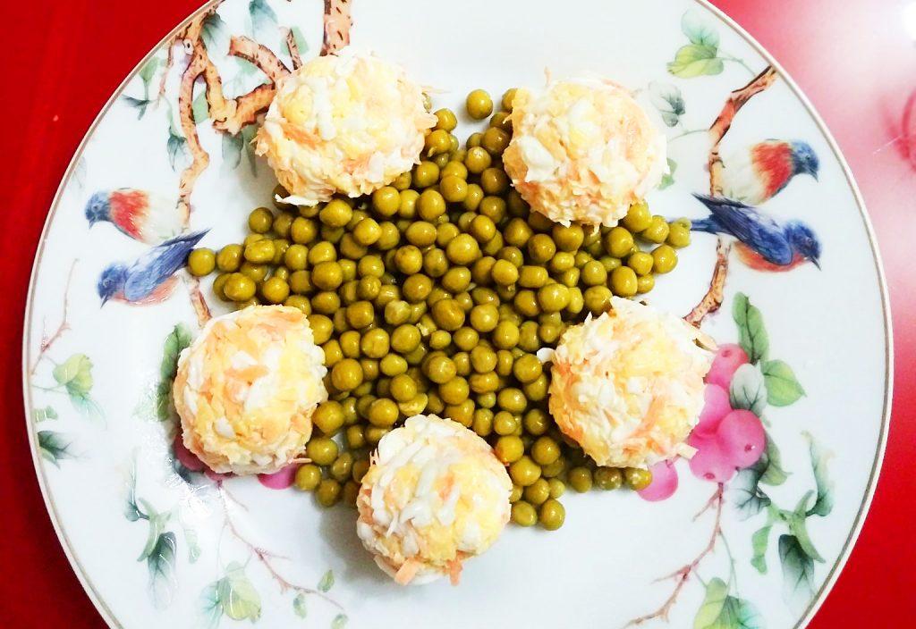Фото рецепта - Салат с зеленым горошком «Звезда» - шаг 9
