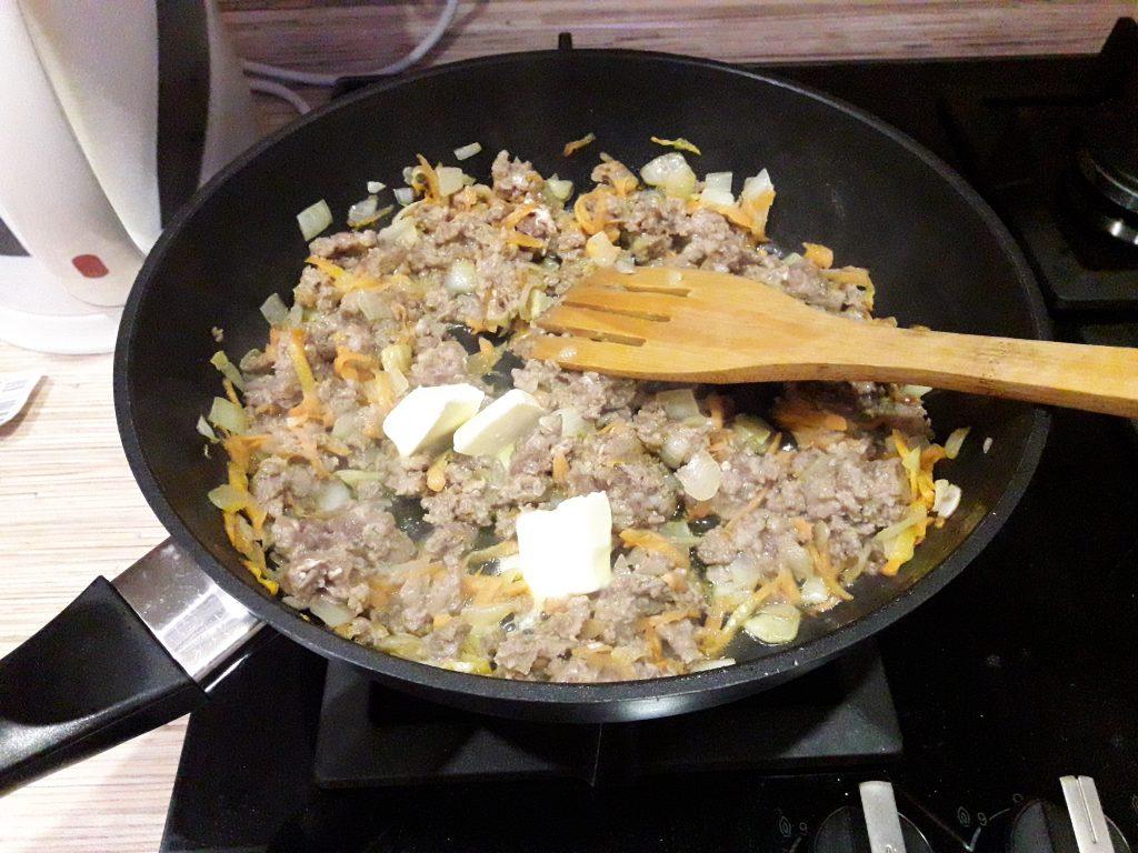 Фото рецепта - Картофель, жаренный с фаршем - шаг 4