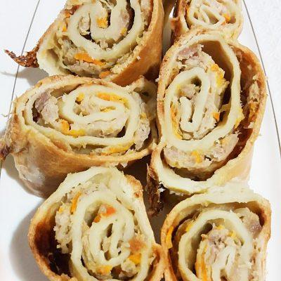 Пирог-рулет » Улитка» с фаршем индейки - рецепт с фото
