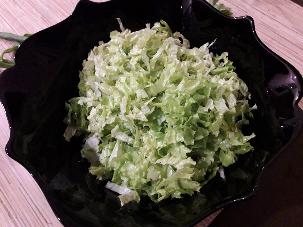Фото рецепта - Салат «Свежесть» из овощей - шаг 4