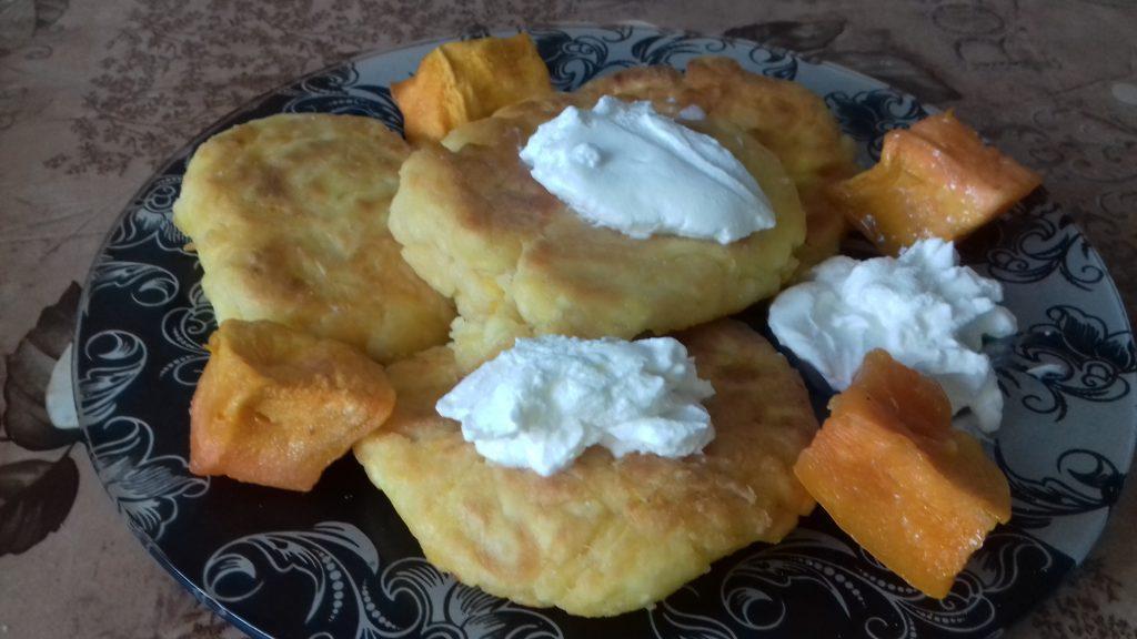 Фото рецепта - Творожные сырники с тыквой - шаг 7