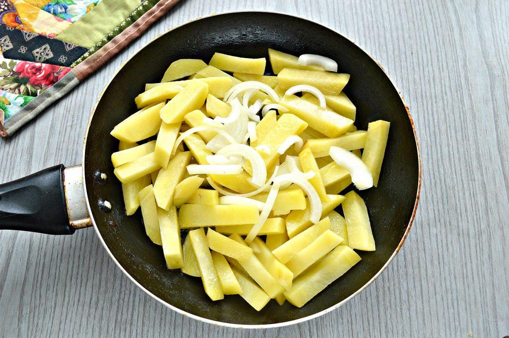 Фото рецепта - Жареный картофель с сыром - шаг 3