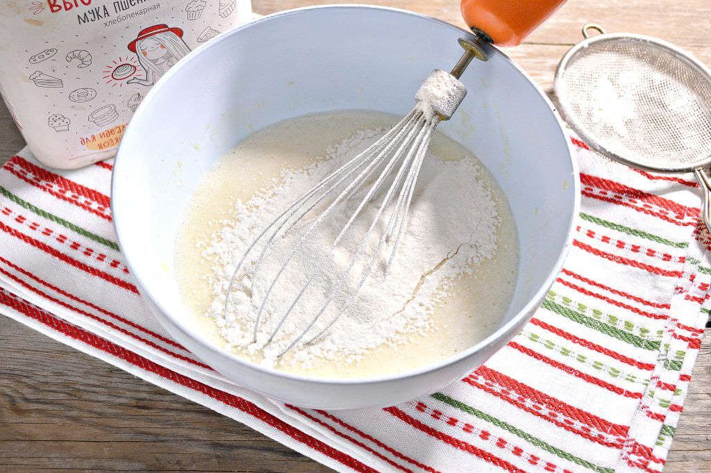 Фото рецепта - Бабушкины блины на молоке - шаг 4