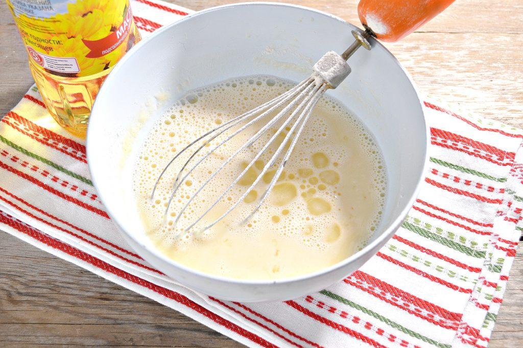 Фото рецепта - Бабушкины блины на молоке - шаг 5