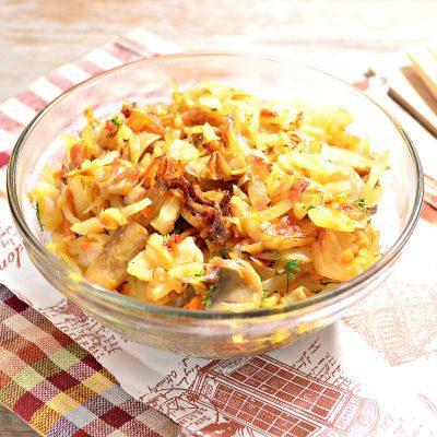 Капуста, жаренная с маринованными шампиньонами - рецепт с фото