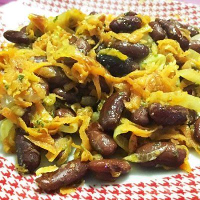 Гарнир из фасоли с луком и морковью - рецепт с фото