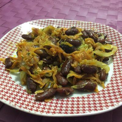 Фото рецепта - Гарнир из фасоли с луком и морковью - шаг 5