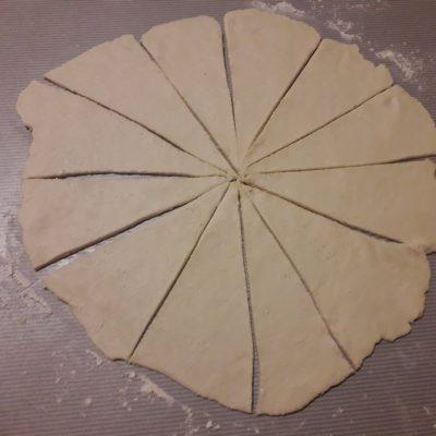 Фото рецепта - Творожно-яблочные мини-рогалики - шаг 7