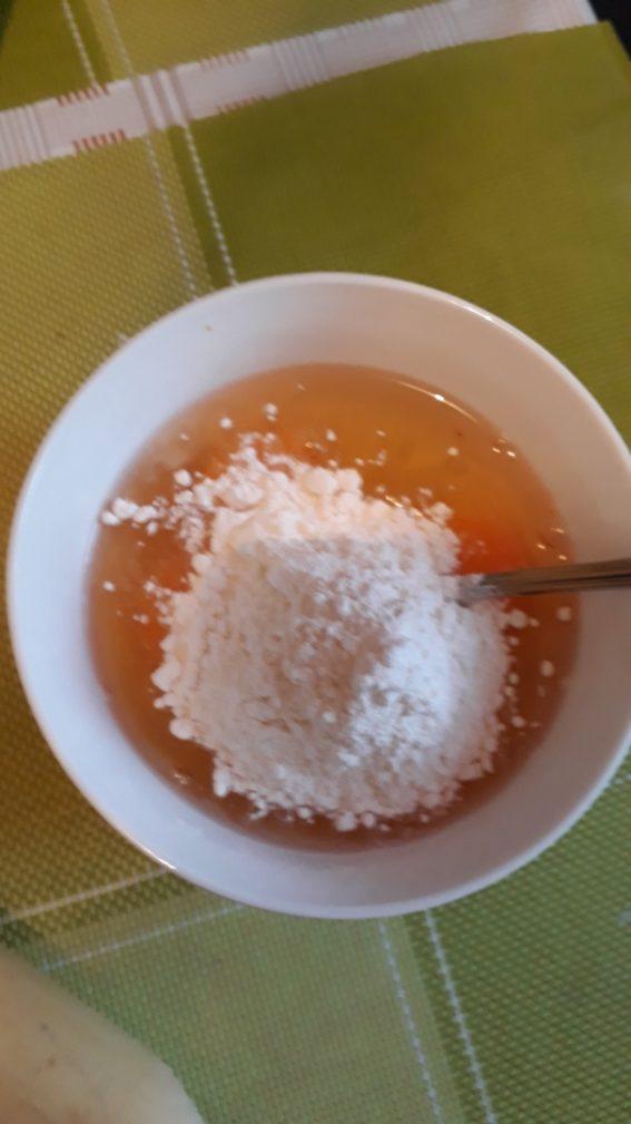 Фото рецепта - Заливной яично-луковый пирог - шаг 3