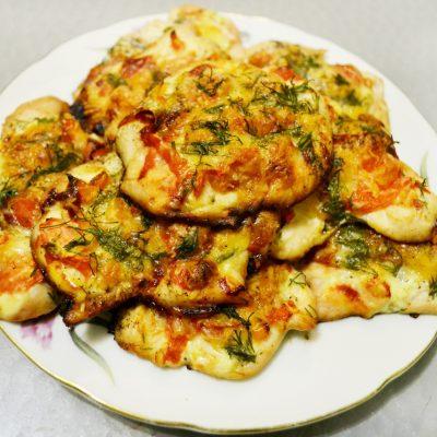 Запеченные куриные отбивные под сыром - рецепт с фото