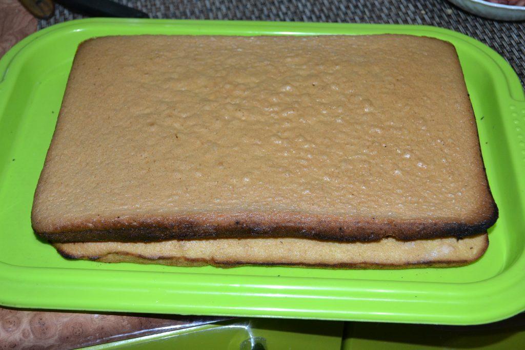 Фото рецепта - Бисквитный торт с творогом и апельсином - шаг 5