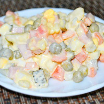 Салат «Оливье» (с колбасой) — классический рецепт - рецепт с фото