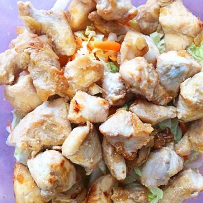Салат с курицей по-азиатски с морковью и капустой - рецепт с фото