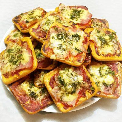 Снэки — «пицца» на печенье - рецепт с фото