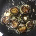 Фото рецепта - Салат из помидоров и жареных кабачков «Зимняя роза» - шаг 5