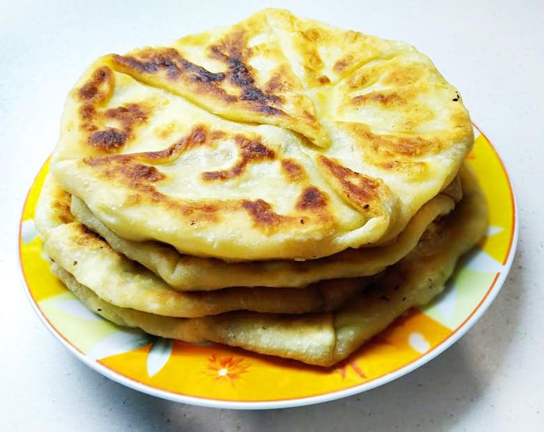 Плацынды с творогом (пироги-лепешки)