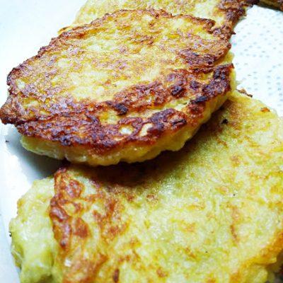 Драники (тертые картофельные котлеты) - рецепт с фото