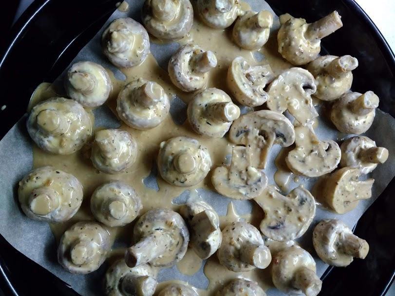 Фото рецепта - Запеченые шампиньоны в соусе - шаг 3