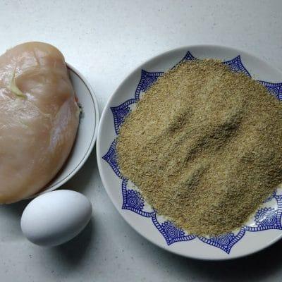 Фото рецепта - Куриный шницель в кляре - шаг 1